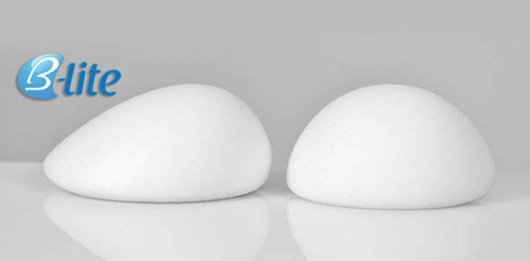 aumento de pecho con prótesis ligeras B-Lite